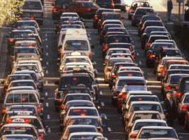 Boğaz köprülerinde yoğun trafik.23364