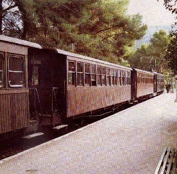 İtalya'da hırsızlar trenleri geciktiriyor.42768