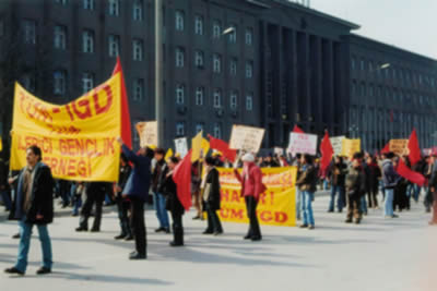 CHP Genel Merkezi önünde protesto eylemi.19916