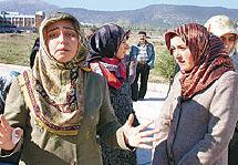 İzmit'te 'Türban yürüyüşü' gerginliği.13186