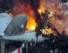 Yolcu uçağıyla tanker uçağı çarpıştı.8295