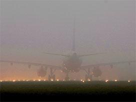 Uçak seferlerine sis engeli.5177