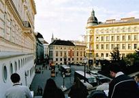 Türkler Viyana'da Saray'dan kız kaçırdı.8951
