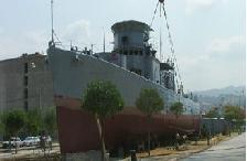 Yük gemisi boğaz'da karaya oturdu.6302