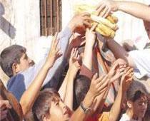 Diyarbak�r'da 20 bin aile a�l�k s�n�r�nda ya��yor.10182