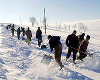 Kar 1215 köy yolunu kapattı.13299