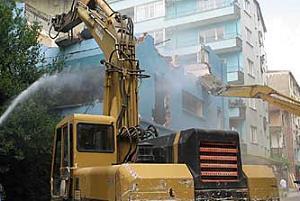 İstanbul'un ilk alışveriş merkezi İMÇ yıkılıyor.16743