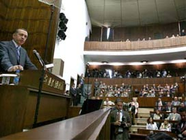 Erdoğan'dan veda eden 7 milletvekiline plaket.14209