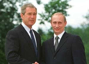 Bush ve Putin ilk görüşmesini yaptı .10075