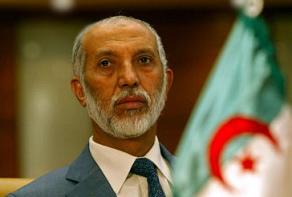 Cezayir'de hükümet istifa etti.23042