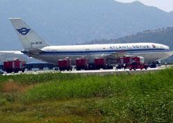 Rus yolcu uçağı Dalaman'da pistten çıktı.12931