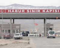 PKK'nın bombacısı Türkiye'ye girerken yakalandı.10904