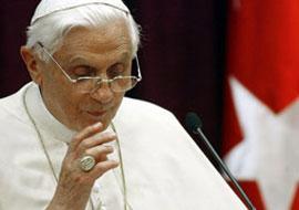 Papa 16. Benedict'e saldırı anı.8383