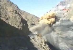 �ran ordusunun Kuzey Irak'� bombalad��� ileri s�r�ld�.9735