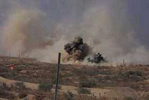 PKK'lı teröristlerin döşediği mayına basan 2 er yaralandı.7924