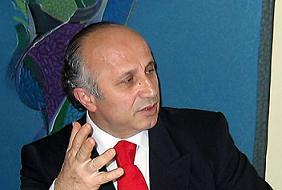 Ya�ar Nuri �zt�rk'e g�re T�rkiye'de devlet adam� yok!.10296