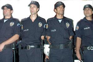 Fatih'te kaçak operasyonu: 45 kişi yakalandı.12099