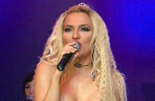 Demet Akalın Madonna'yı geçti.9167