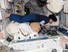 Uzayda en uzun süre kalan kadın astronot.43933