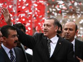 Erdoğan seçim mitinginde CHP'nin vaatlerini eleştirdi.16612