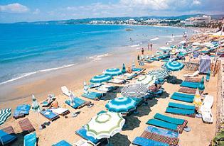 İtalya'da 'selülitli kadınlar plajı'.31204