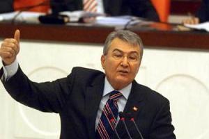 CHP lideri Baykal, hükümetin yeni taslağını eleştirdi.10050