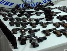 K.Irak'tan getirilen silahlar Şanlıurfa'da 'zımba'ya saplandı.12135