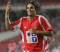 Nuno Gomes için Terim devrede .10136