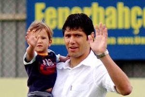 Luciano futbolu bırakıyor!.11765
