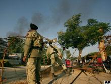 Pakistan'da cami kuşatması: 43 ölü .15887