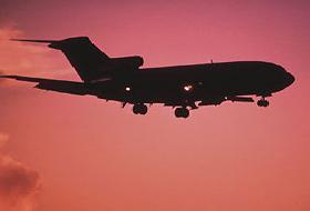 Yoğun sis, uçak seferlerini aksattı.8358