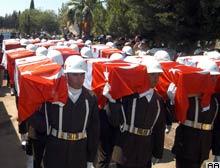 Rumların kurşuna dizdiği 13 Türk, 33 yıl sonra defnedildi.11043