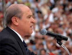 Devlet Bah�eli Antalya'da umdu�u kalabal��� bulamad� .14265