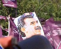 DTP, Diyarbakır'da teröristbaşı Öcalan için yürümek istedi .13604
