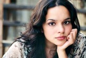 Ve sıra Norah Jones'ta .11146