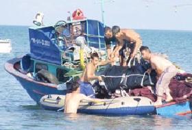 Hindistan'da, selden kaçanların  teknesi battı: 28 ölü .13498
