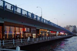 Atatürk ve Galata köprüleri trafiğe kapatılıyor.43289