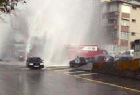 Ankara' da tonlarca su boşa aktı!.8455