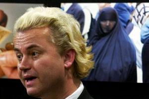 İslam karşıtı filme Hollandalılardan da tepki geldi.11460