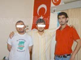 Hava korsnının Türk bayrağı önünde fotoğrafı yayınlandı.7397