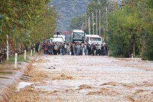 Antalya Kemer'de 1 kadın sel sularına kapıldı.16645