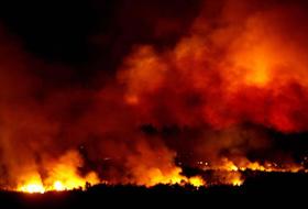 ABD'de yangın 10 bin kişiyi tahliye ettirdi .38726