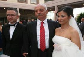 Korkut Eken'in kızı evlendi.32302