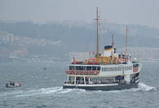 İstanbul'un yeni vapuru 15 Ocak'ta Boğaz'da.10571