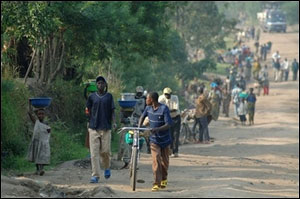 1 günden 10 bin kişi Kongo'dan Uganda'ya kaçtı .20940