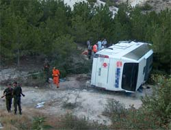 Kayseri'de yolcu otobüsü devrildi!.13218