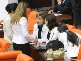 AKP'li kad�n vekiller kendilerini mi kand�r�yor?.14797