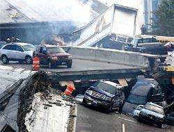 Köprü çöktü: En az 20 kişinin hayatından endişe ediliyor.18626