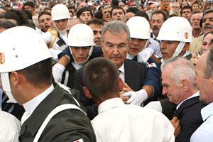 Cumhurbaşkanı Gül, Baykal'ı Köşk'e çağırdı.16639