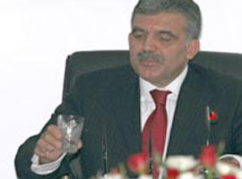 Abdullah Gül, oruçlu olduğunu unuttu ve bakın ne yaptı? .8945